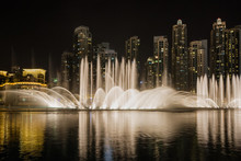 Dubai Dancing Fountain Show