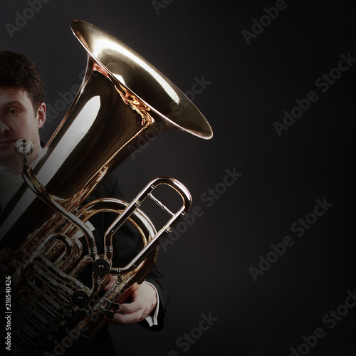 Fotoposter Muziek Tuba player brass instrument
