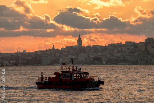 Fotobehang Midden Oosten Panaromic View of Istanbul city and steamboats.