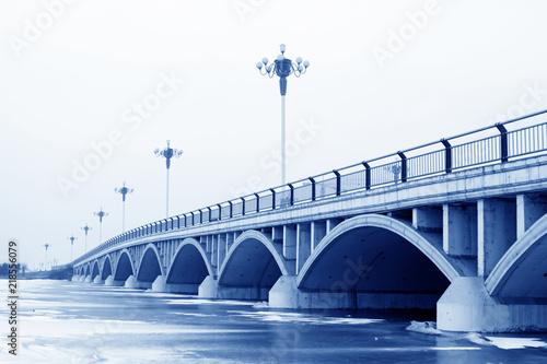 Fotografija  bridge landscape in winter