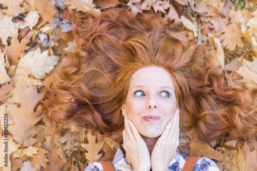 Valokuva  redhair beauty leaving