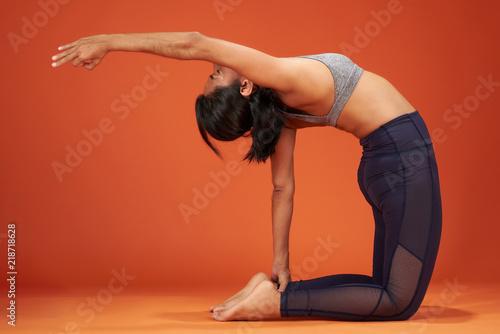 Fotografie, Obraz  Camel one hand yoga pose