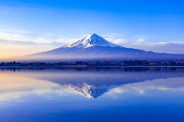 Fuji at dawn, Lake Kawaguchi w Yamanashi Prefecture