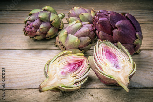 Photo Small artichokes