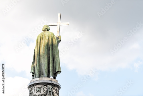 Foto op Plexiglas Kiev Isolated view back of bronze Saint Vladimir Monument in Kyiv, Kiev, Ukraine against blue sky in sunset sunlight evening statue symbol