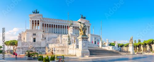 Obraz Panoramic of the Monument of Victor Emmanuel II at Venezia Squara at sunrise. Rome, Italy - fototapety do salonu