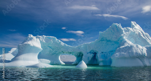 Foto auf Gartenposter Antarktika Dramatic Ice Formations Off the Coast of Antarctica