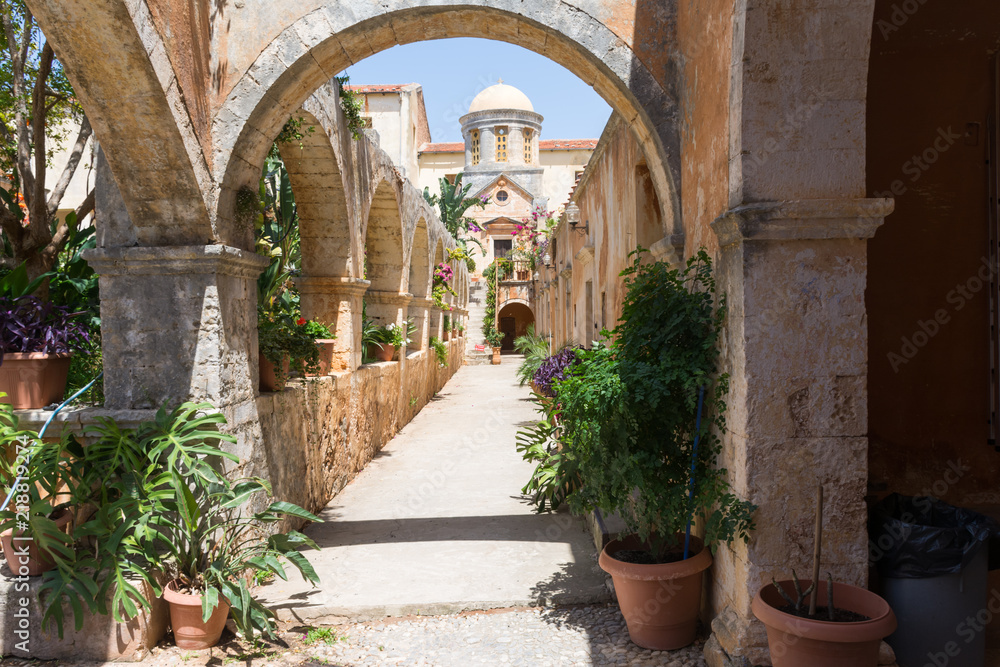 Fototapety, obrazy: arch in the courtyard of the Holy Trinity monastery