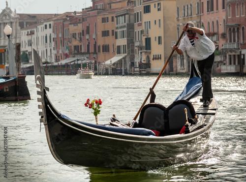 Foto op Plexiglas Venetie Venice views 2011, gondolier