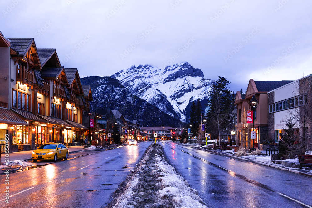 Fototapeta Banff at night
