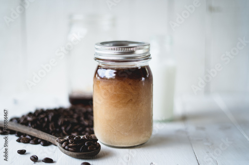 Tableau sur Toile Cold brew coffee Arabica coffee In a glass bottle