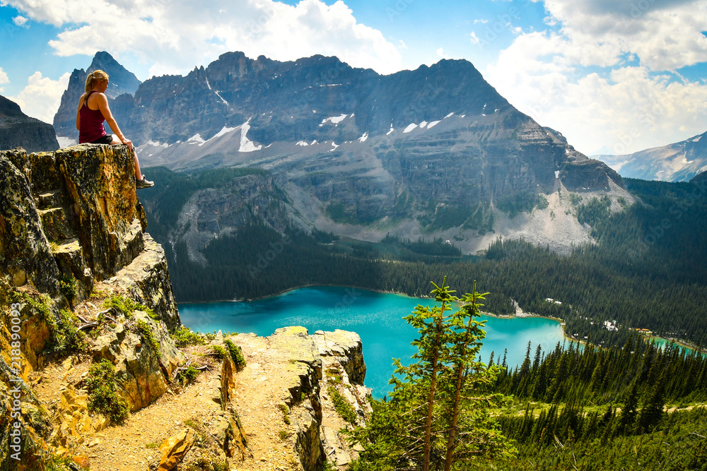 Fototapety, obrazy: Hiker looking at mountain valley