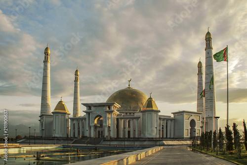 Photo : Mosque of Turkmenbashi Rukhy in Kipchak
