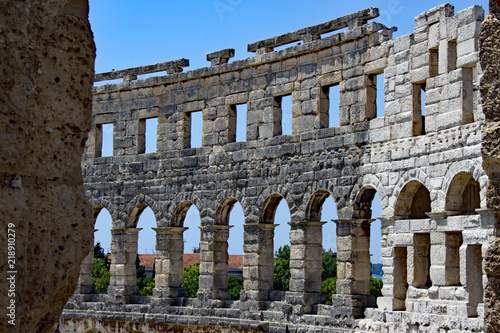 In de dag Rudnes Colosseum at Pula - Istria