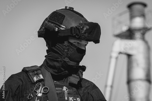 Fotografía  Special Forces. Military with weapons in hand