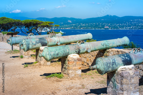 Medieval cannons at fortress of Saint Tropez, Cote d'Azur France. Fototapete