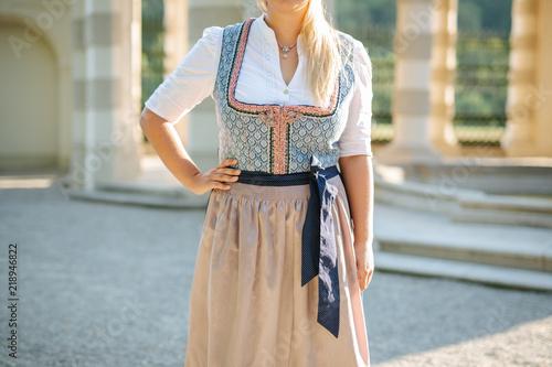 Fotografía traditional bavarian dress, dirndl