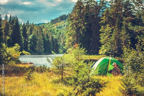 Survival Camping in the Wild Canvas-taulu