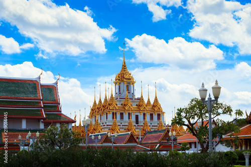 Keuken foto achterwand Bedehuis Beautiful sky and Wat Ratchanatdaram Temple in Bangkok, Thailand. Thai architecture: Wat Ratchanadda, Loha Prasat and Traditional Thai pavilion is among the best of Thailand's landmarks.