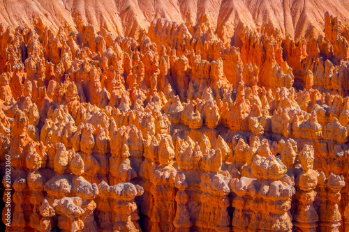 Foto op Plexiglas Rood traf. Beautiful outdoor view of Hoodoo landscape of Bryce Canyon National Park