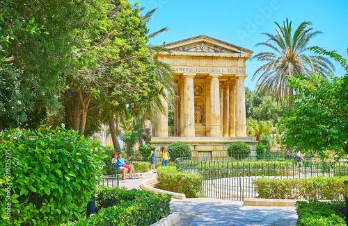 Montage in der Fensternische Grun Lower Barrakka Gardens, Valletta, Malta