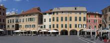 Finale Ligure, Piazza Con Pala...