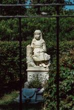 Gracie Watson Cemetery Statuar...