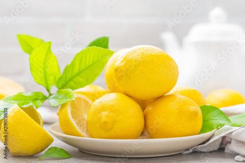 owoce-na-talerzu