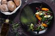 вегетарианский салат с запеченной свеклой,персиком и домашним творогом