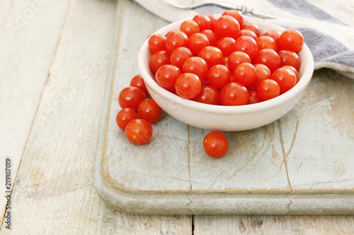 Cuadros en Lienzo baby tomato tomberries