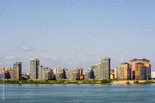 Cadres-photo bureau Batiment Urbain Kazan, Russia - August, 20, 2018: embankment of Kazanka river in Kazan, Russia