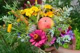 Fototapeta Kwiaty -  Na  Matki Bożej zielnej - kwiatowe bukiety