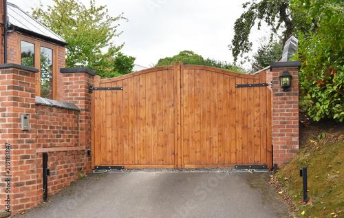 Obraz Wooden security gate with keypad lock - fototapety do salonu