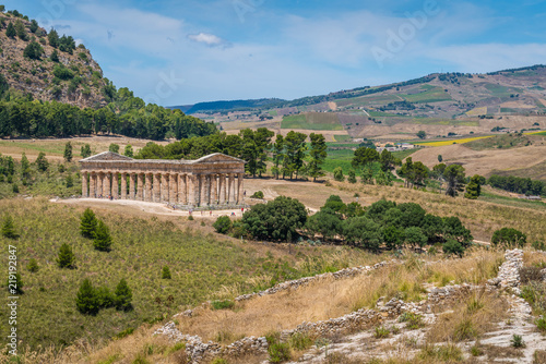 The Temple of Venus in Segesta, ancient greek town in Sicily, southern Italy Fototapet