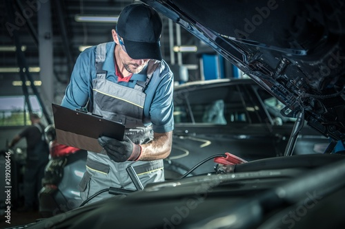 Mechanic Detailed Inspection Fototapete