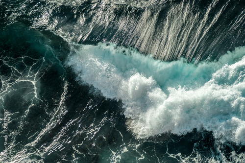 Fototapety, obrazy: Waves Crashing - Aerial