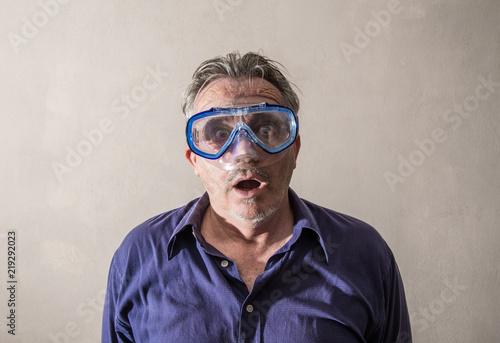 Fotografie, Obraz  uomo che indossa una maschera da sub
