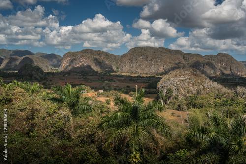 Cuadros en Lienzo  Vinales Valley // Tal