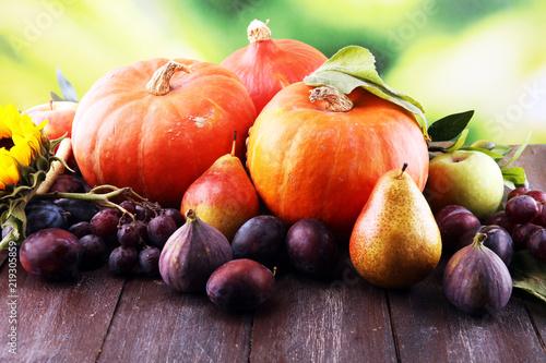 owoce-i-warzywa-na-deskach