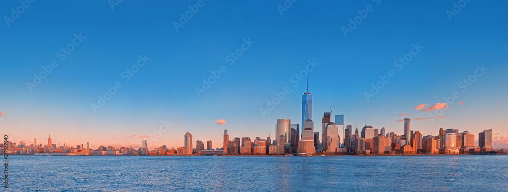 Fototapety, obrazy: Manhattan skyline panorama at sunset , New York City