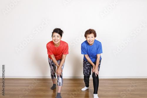 Fotografie, Obraz  筋力トレーニングをする女性