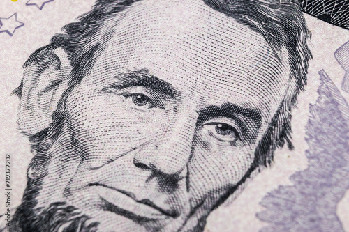 Fotografia  Close up view Portrait of Abraham Lincoln on the one five dollar bill