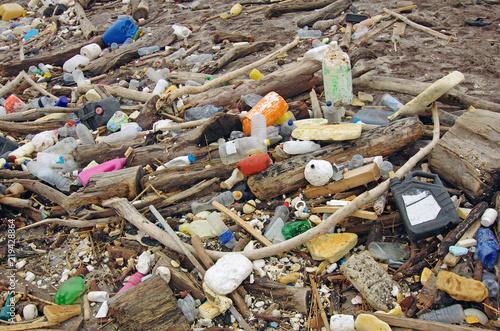 Fotografía Pollution par les déchets flottants et plastiques sur les plages de la côte atlantique