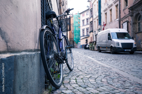 Fototapety, obrazy: A bike in the old streets