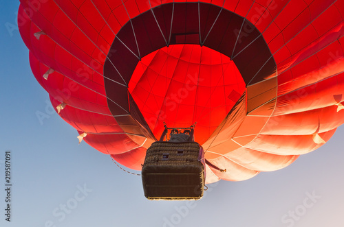 Poster Luchtsport Colorful hot air balloon against the blue sky