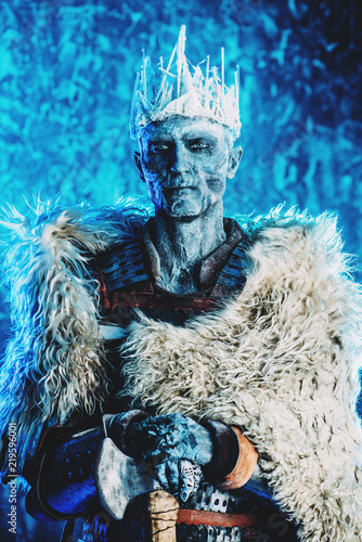 Photo  ice king of zombies