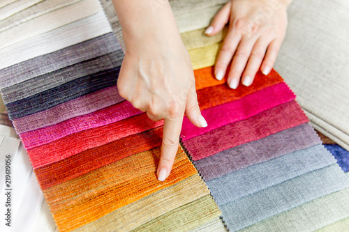 Foto op Aluminium Stof Rolls of fabric and textiles in a shop or store