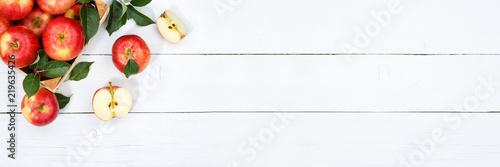 Äpfel Apfel Frucht Früchte Obst von oben Textfreiraum Copyspace Holzbrett