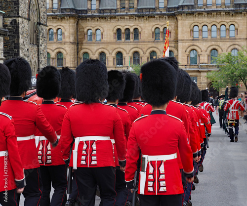Papel de parede changing of the guard  ceremony, Canadian Parliament building