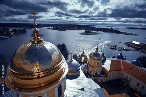 Tablou Canvas Golden cupola and monastery Nilova Pustyn, Seliger region